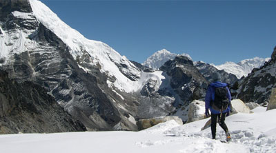 Chola pass via Everest base camp trekking